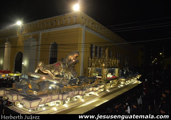 santo entierro mazate 13